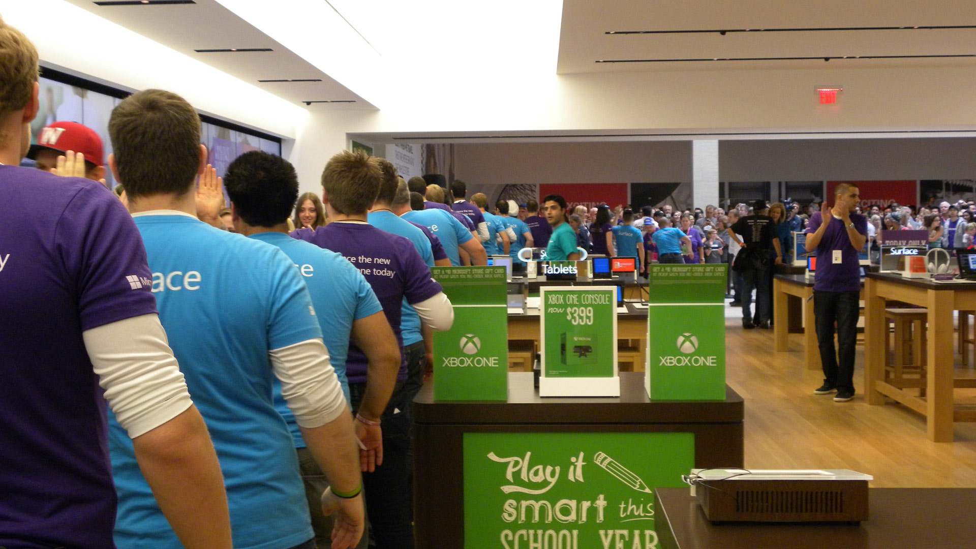 Calgary Microsoft Store First Buyers
