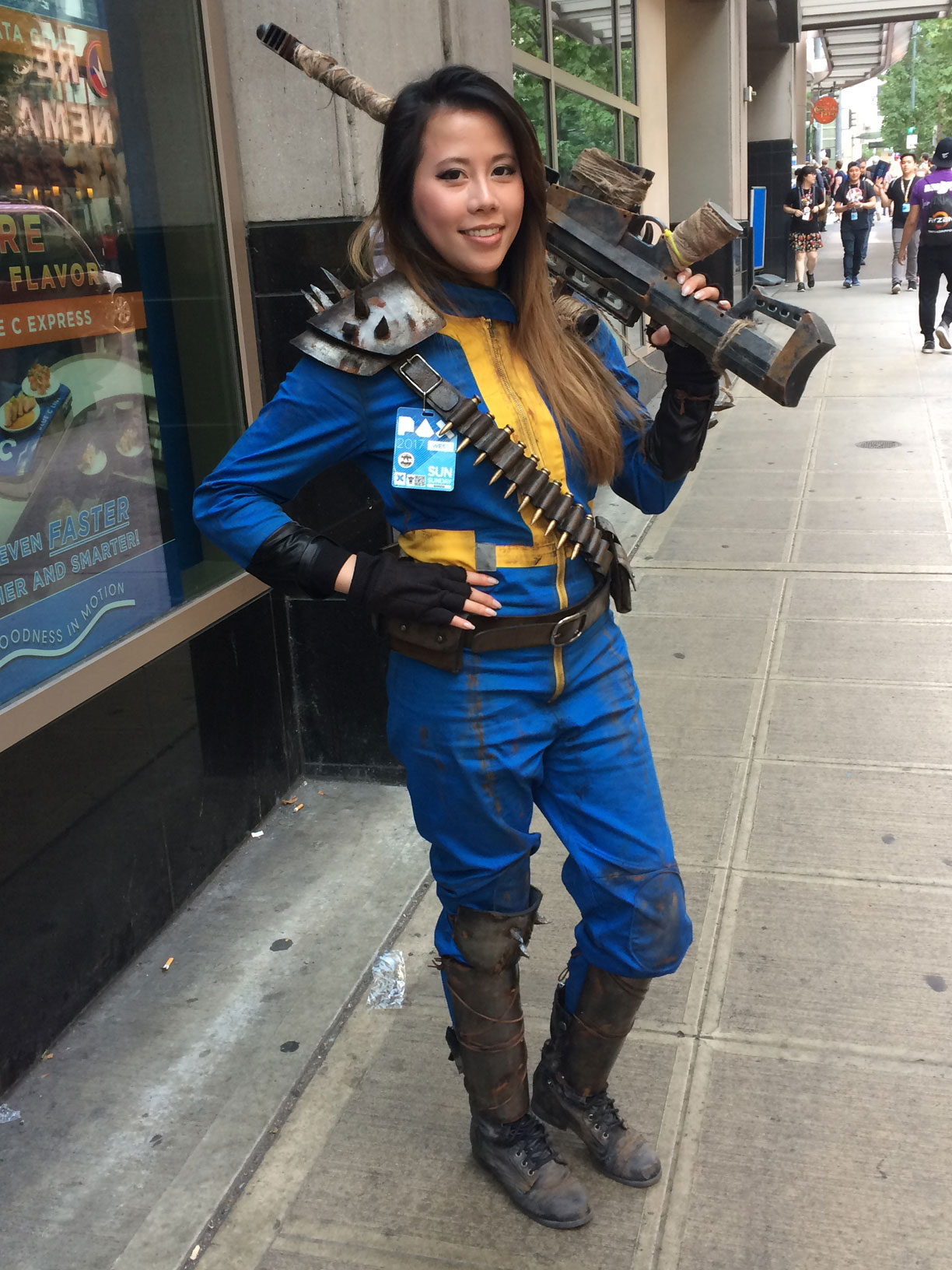 Pax West 2017 Cosplay Day 3 Fallout vault lady