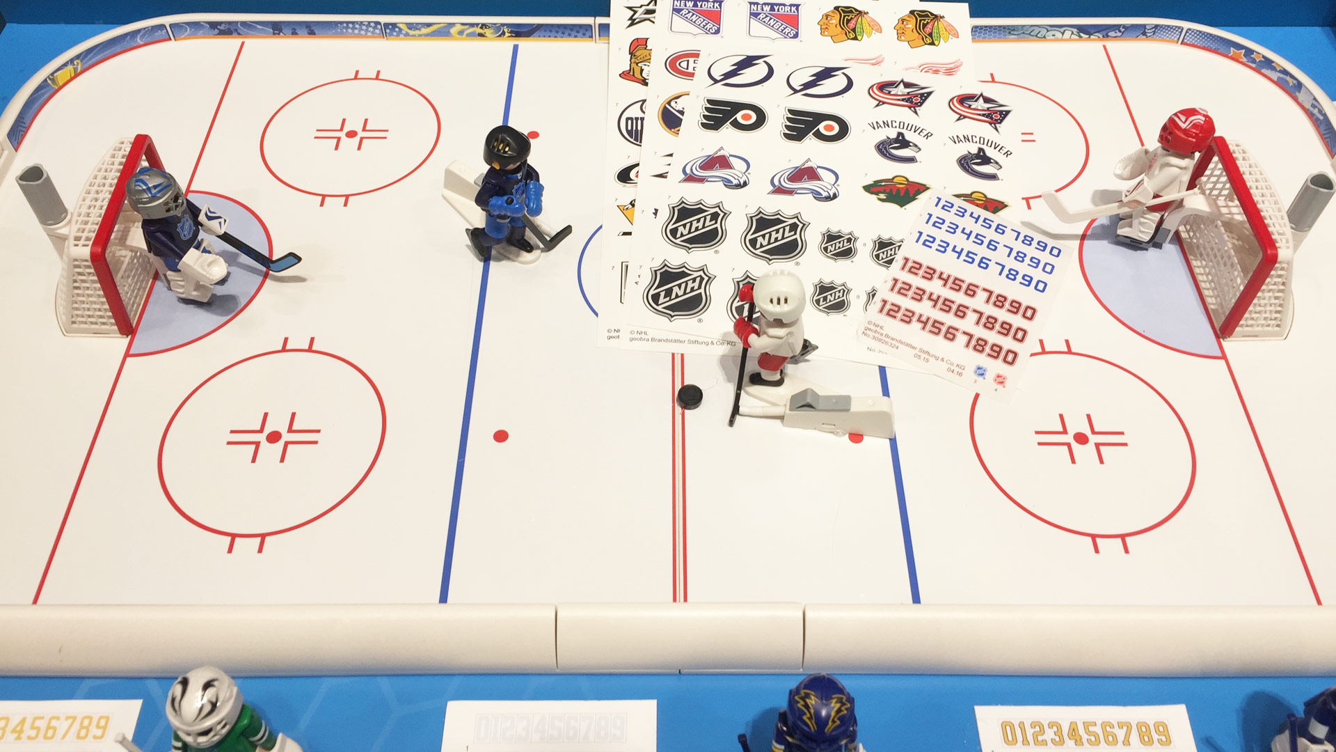 Playmobil Hockey NHL Set Rink and Goalies at Toy Fair 2017